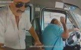 Durak Harici İndirmediği Yolcudan Yumruk Yiyip Kaza Yapan Dolmuş Şoförü