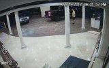 Otel Valesinin Dünyasını Karartan SWAT Subayı