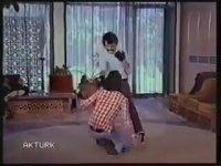 http://i1.imgiz.com/rshots/9981/isyan-serdar-gokhan-banu-alkan-1975-69-dk_9981219-114940_200x150.jpg