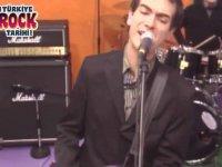 Mor ve Ötesi - Yalnız Şarkı (2002)