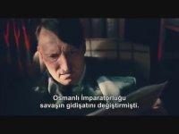 Adolf Hitler'in Sözcü Gazetesi Okuması