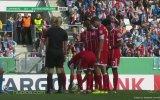 Kadın Hakemin Ayakkabısının Bağcığını Çözen Piç Ribery