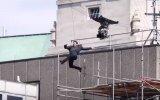 Tom Cruise'nin Film Setinde Duvara Çarpıp Yaralanması