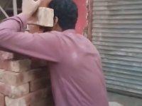 Dişleriyle Altı Tuğla Kaldıran Pakistanlı