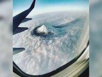 Ağrı Dağı'nın Uçaktan Muazzam Görüntüsü