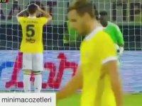 Mehmet Topal'ın Kendi Kalesine Gol Atması