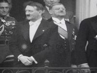 Fraklı Adolf Hitler