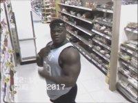 Marketin Güvenlik Kamerasında Kendini Bulan Adam