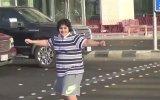 Suudi Arabistan'da Macarena Dansı Yapan Çocuğun Tutuklanması
