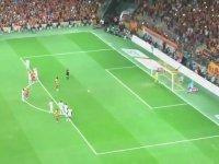 Gomis'in Golünden Sonra Sen Olsan Bari İle Coşan Galatasaray Tribünleri