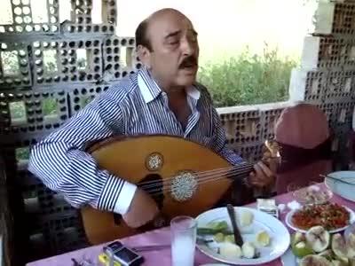 Ali Seven Şarkıları