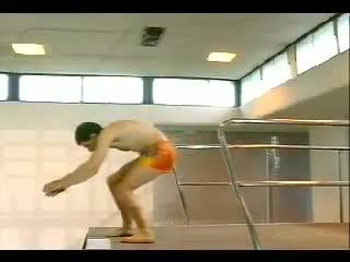 Mr Bean Goes To The Swimming Pool Komik