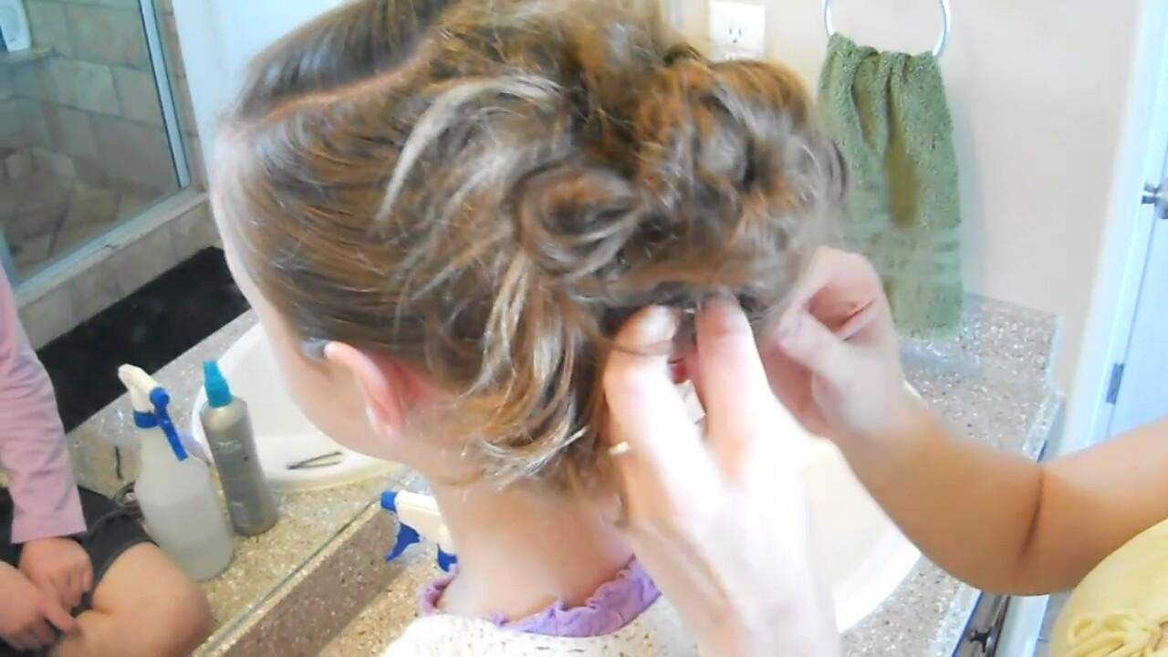 Dağınık Saç Toplama Nasıl Yapılır 1