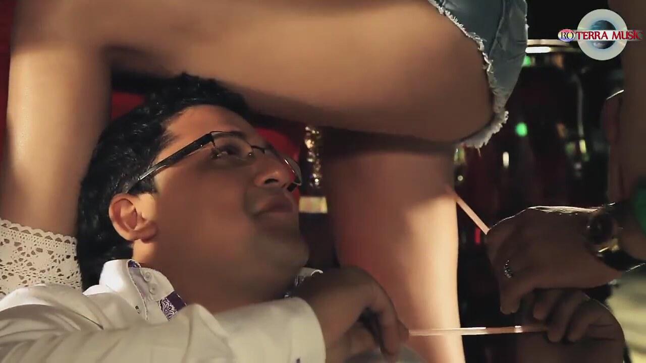 Hadise porno hadisenin gençlik seks videosu  Sürpriz