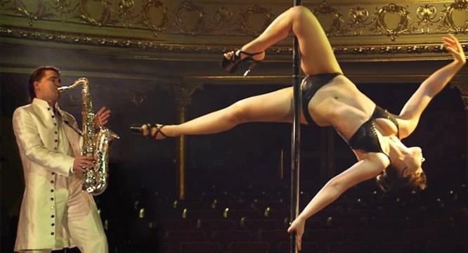 Black female stripper squirt