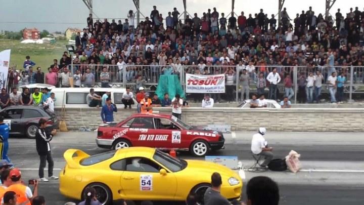 Araba Yarışı Videoları