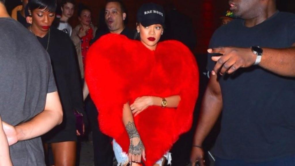 Yüzyılın Moda İkonlarından Gösterilen Rihanna'nın Birbirinden Çılgın ve Cesur Kıyafet Seçimleri