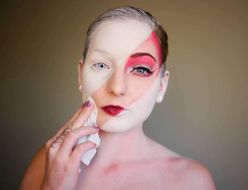 Yüzünü Deneme Tahtası Gibi Kullanan Kadının Sanatsal Çalışmaları - Elsa Rhae