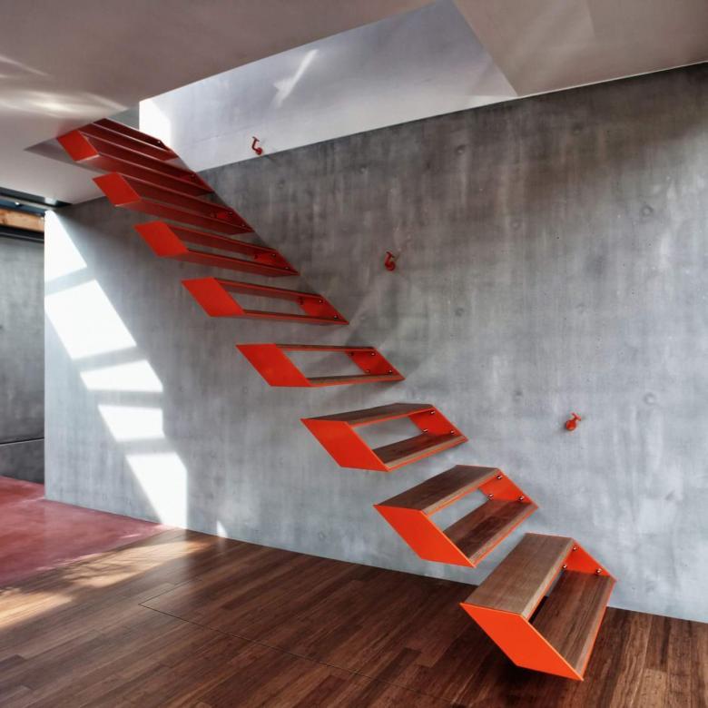 Zenginliği Gözümüze Sokan Dubleks Evlerin Garip Merdiven Tasarımları