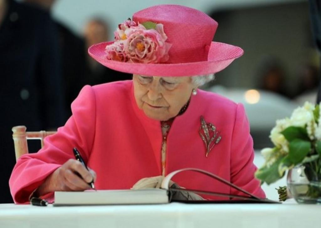 İngiliz Kraliyet Ailesinin Aşırı Garip Kuralları