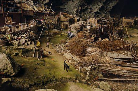 Çin'deki 100 İnsanın Yaşadığı Koca Mağara