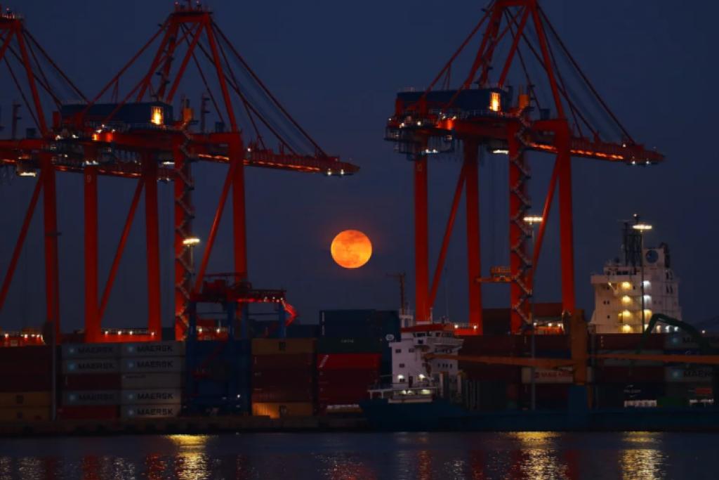 mersin, türkiye, Süper Kanlı Mavi Ay Tutulması