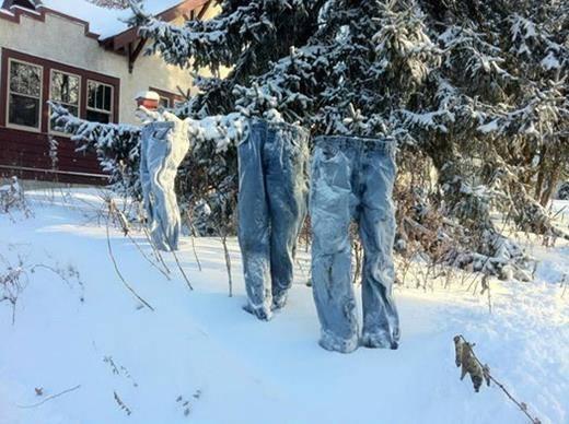 """Minnesota'da Kışın Gücünü Ortaya Koyan """"Donmuş Pantolonlar"""""""