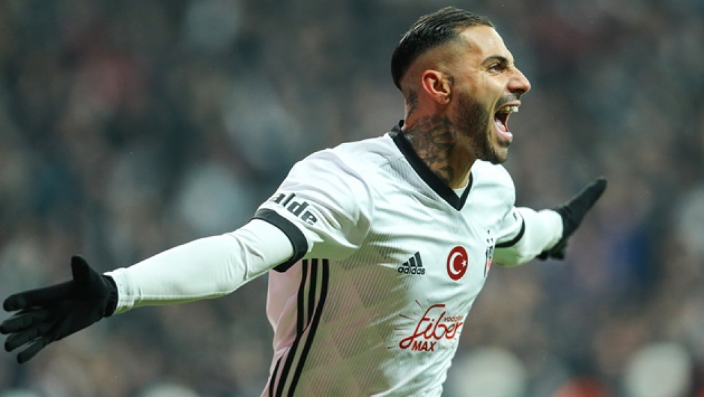 Fenerbahçe-Beşiktaş Derbisinde Yumruklar Maçı Gölgeledi!