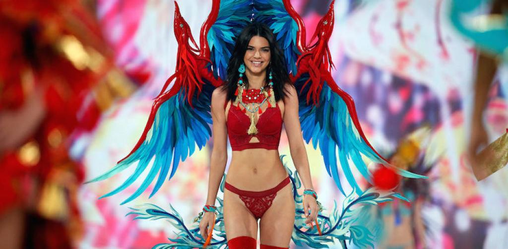 Kardashian'ların Gururu Kendall Jenner: Bu Yaşta Bu Stil