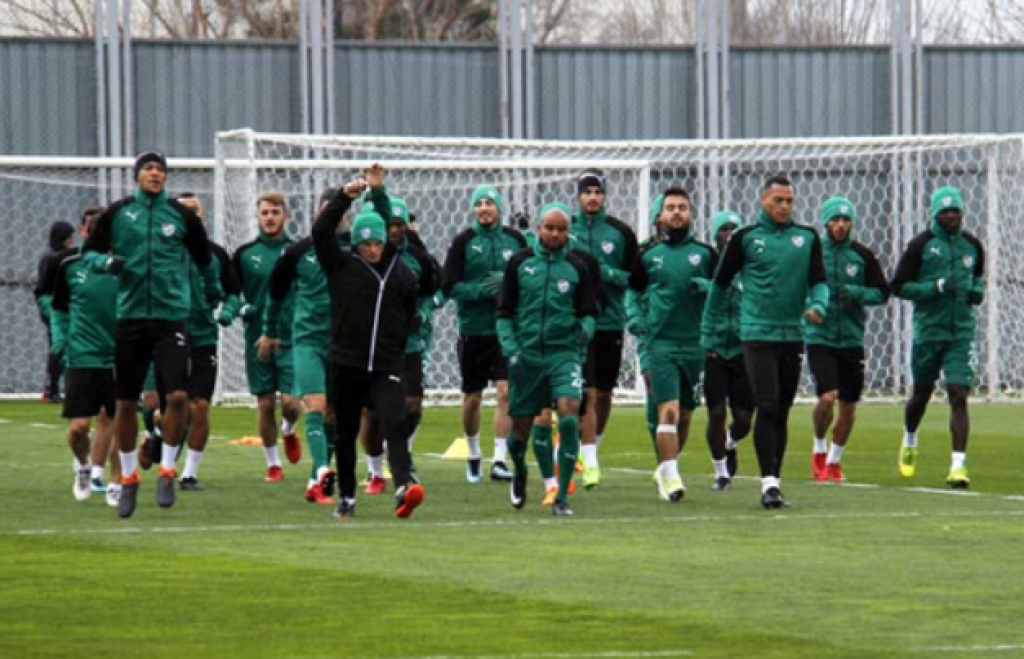 Bursaspor İdmanına Vartolu Sürprizi
