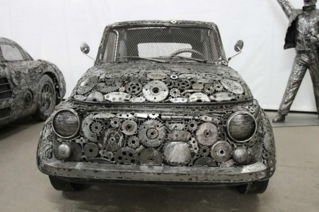 Hurdalıktan Toplama Otomobil Maketleri