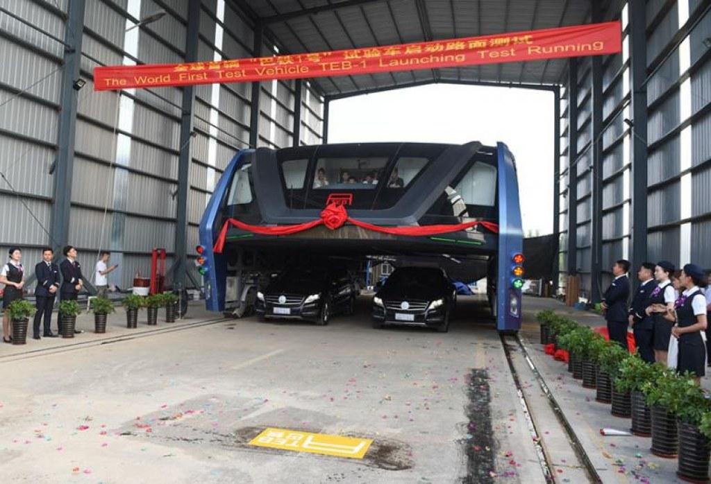Çin'in Trafik Sorununa Deva Olacak Yükseltilmiş Otobüsleri