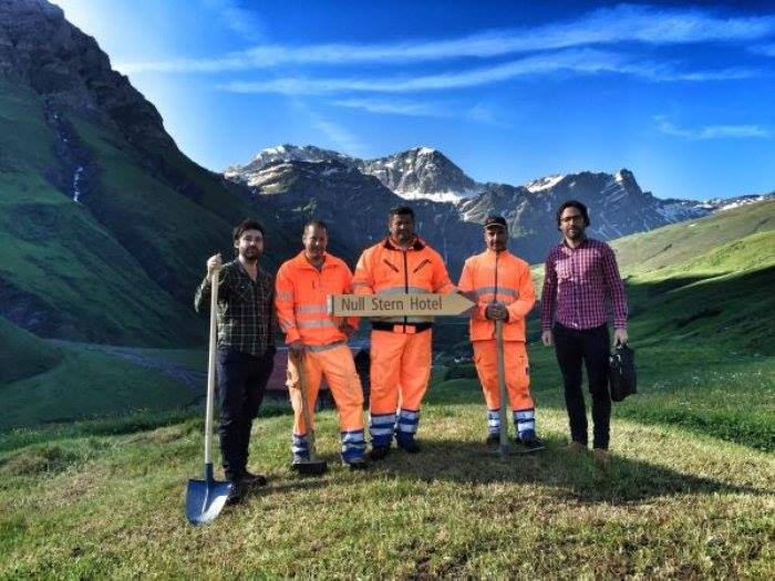 İsviçre Alpleri'nde İnşa Edilen Duvarsız Otel