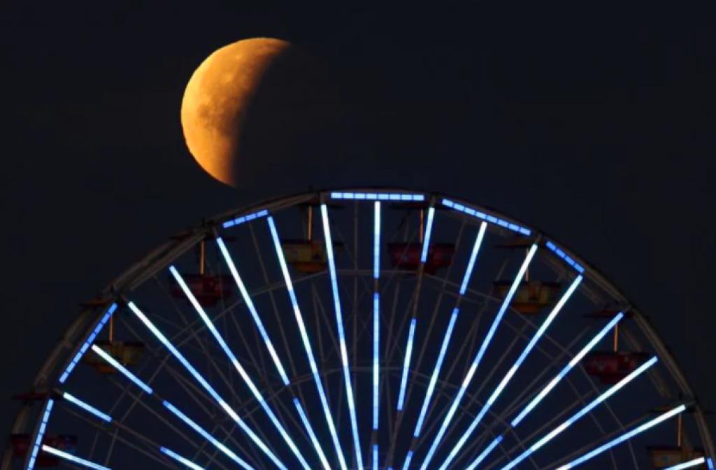 santa monica, kaliforniya, abd, Süper Kanlı Mavi Ay Tutulması