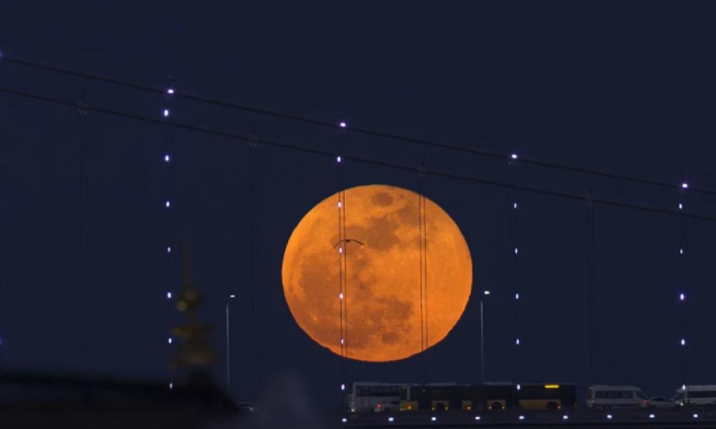 Süper Kanlı Mavi Ay Tutulması , istanbul