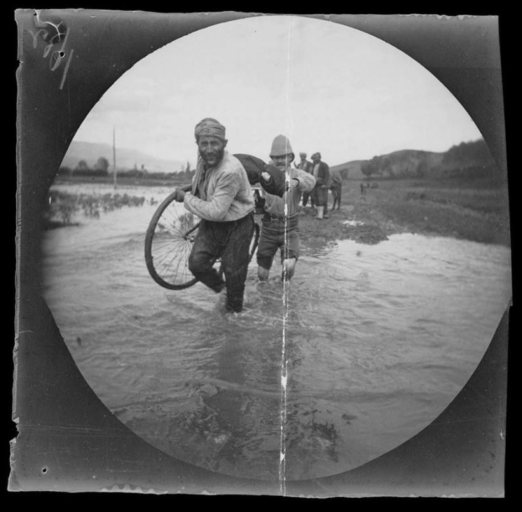 1891 Yılında Bisikletle Yapılan Dünya Turundan Enfes Fotoğraflar