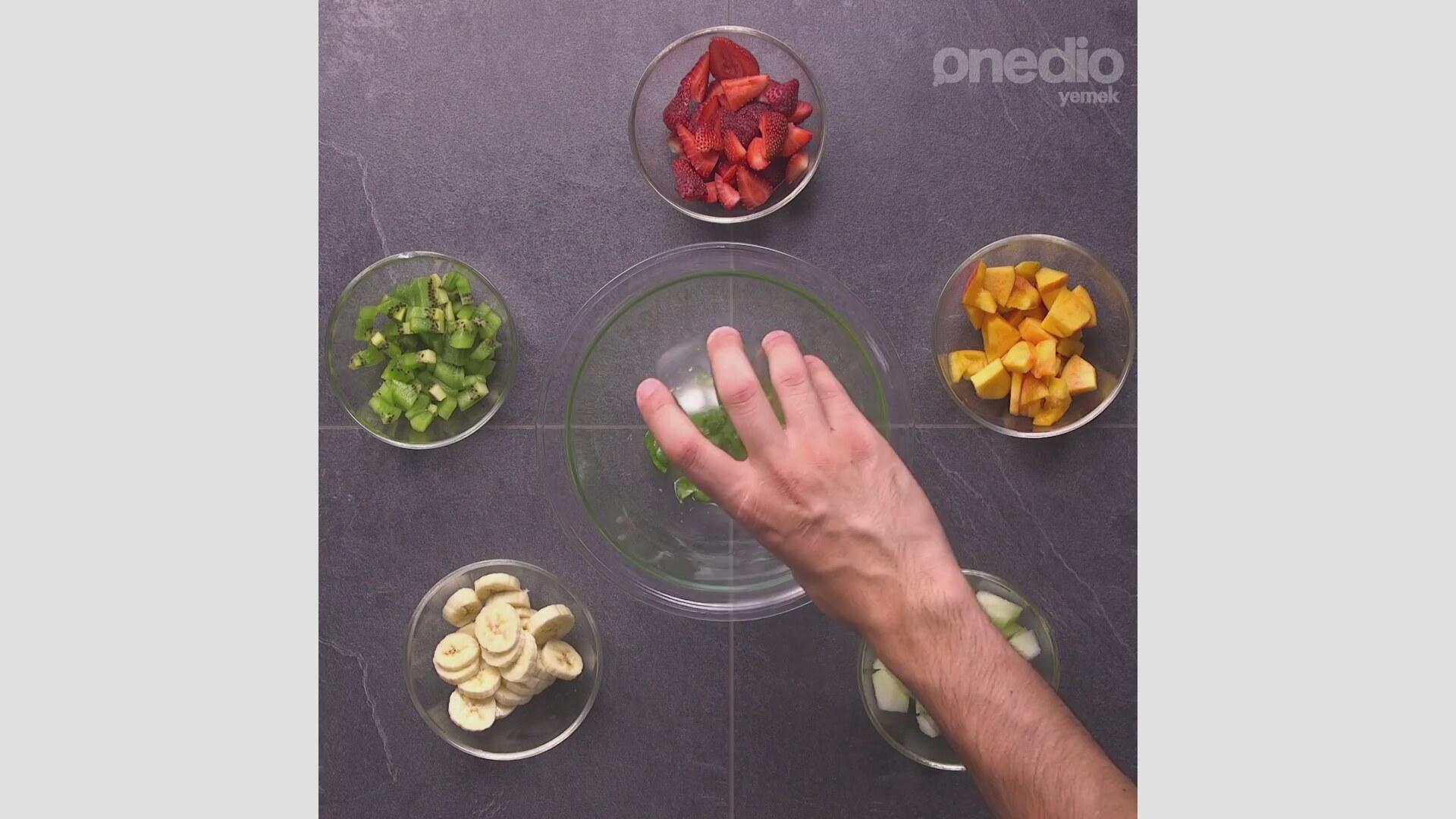 Limon Soslu Meyve Salatası Tarifi Videosu
