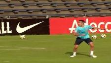 Robin van Persie Fenerbahçe Taraftarını Hayrete Düşürdü