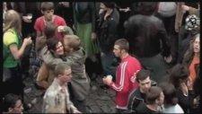 Madensuyu - Papa Bear - Les Ballets C. De La B.-Documentary 2006