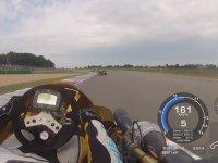 100 Beygirlik SüperKart Yarışındaki Araç Üstü Kamerası (HD)