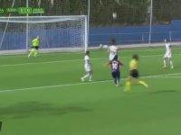 Kadın Futbolcu Charlyn Corral'ın Fantastik Gol Atması