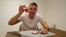Lucas Podolski'nin Çay Sevdası