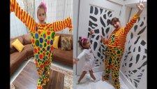 Lera için Palyaço kostümü , eğlenceli çocuk videosu