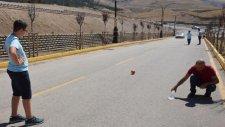 Erzurum'daki Gizemli Yolda Top ve Suyla Yapılan Deney