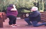 Evlilik Teklifi Esnasında Yüzüğün Nehre Düşmesi