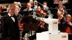 Yapay Zeka YuMi'nin Flarmoni Orkestrasını Yönetmesi