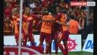 Galatasaraylı Selçuk İnan, Kasımpaşa Maçında Takım Arkadaşlarına Su Taşıdı