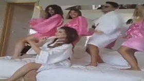 Gizem Karaca'nın Kerimcan Durmaz ile Olay Olan Yatak Dansı