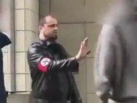 Nazi Sempatizanına Siyahi Gencin Attığı Yumruk