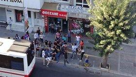 İzmir'de Liseli iki Grubun Kavga Etmesi